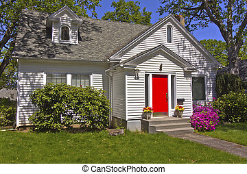 House with a red door Hood River Oregon.