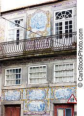 house with azulejos (tiles), Porto, Portugal