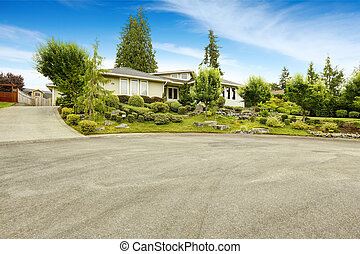 House with beautiful front yard landscape design