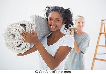 housemates, proceso de llevar, rodado para arriba, alfombra