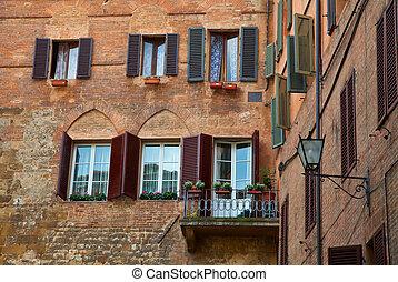 Houses in Siena