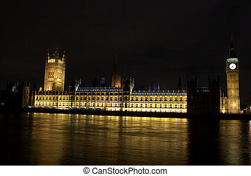 Houses of parliament and big ben at night, London, uk
