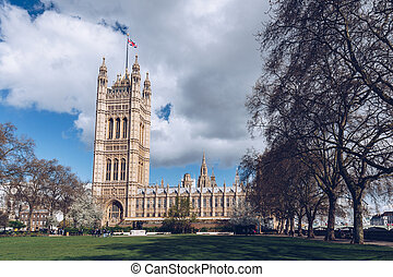 Houses of Parliament and Big Ben in London, UK