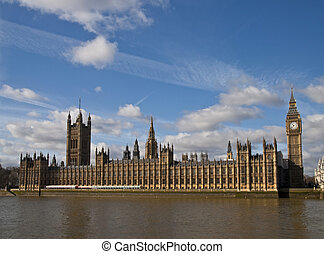 houses of parliament on thames rive