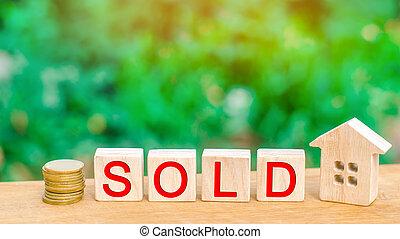 """housing., maison bois, vrai, inscription, affordable, """"sold""""., vente, estate., propriété, pièces, maison"""