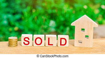 """housing., vrai, bois, estate., vente, maison, maison, inscription, propriété, pièces, affordable, """"sold""""."""