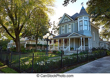 Houston heights victorian style houses Texas - Houston ...
