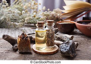 houten, heks, occult, oud, concept., voorwerpen, ouderwetse , wicca, achtergrond, magisch, keukenkruiden, flessen, droog, bloemen, divination, tafel., stenen, esoterisch, apotheker, mystiek