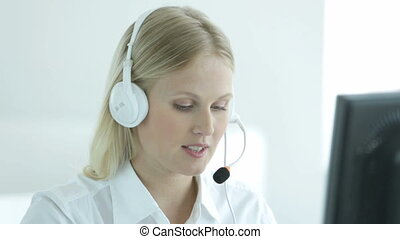How can I help you? - Close-up of a beautiful online...