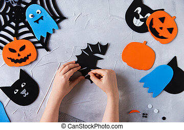 How to make decore for Halloween greetings and fun. Children...