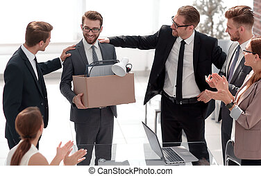 HR Manager introduces a new employee to the business team
