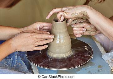hrnčířství, wheel., stvořit, národ, dva, potter's, hrnec, ruce, učení