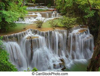Huaimaekamin waterfall