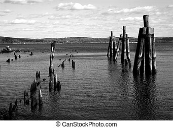 Hudson River flowing through upstate New York; black and white