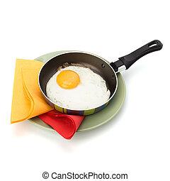 huevo frito, en, cacerola