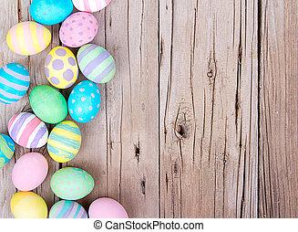 huevos de pascua, en, un, de madera, plano de fondo