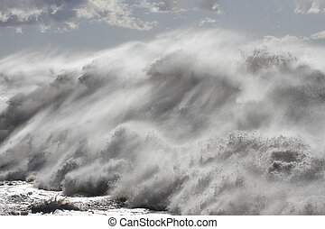 Huge detailed breaking wave