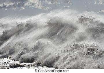 Huge detailed breaking wave