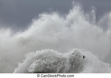 Huge sea wave splash