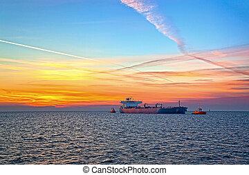Huge ship incoming to port