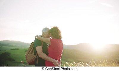 hugging., lent, motion., touriste, nature, voyageurs,...