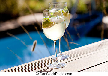 hugo prosecco elderflower soda ice summer drink outdoor ...