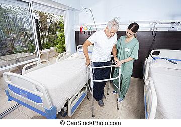 huisbewaarder, portie, senior, patiënt, met, walker