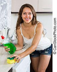 huisvrouw, poetsen, meubel, in, keuken