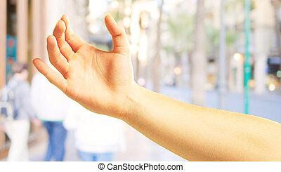 humain, tenant main
