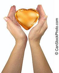humano, dama, manos, tenencia, dorado, corazón, aislado, encima, fondo blanco