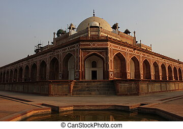 Humayun's tomb, Architectural detail. The place is the tomb of the Mughal Emperor Humayun.