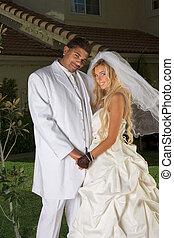 humeur, marier, couple, interracial, mariage, nouveau, heureux