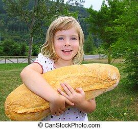 humor, grande, hambriento, sostener a niño, niña, tamaño, bread