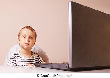 (humorous, zakelijk, draagbare computer, picture), baby meisje, werken