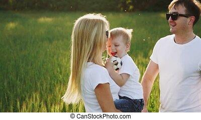 hun, moeder, vader, het koesteren, zoon