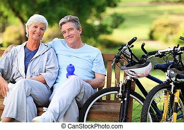 hun, paar, fietsen, bejaarden