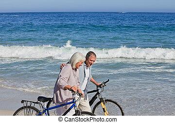 hun, paar, fietsen, gepensioneerd