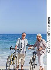 hun, paar, fietsen, strand, bejaarden