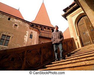 hunedoara, castelo, homem