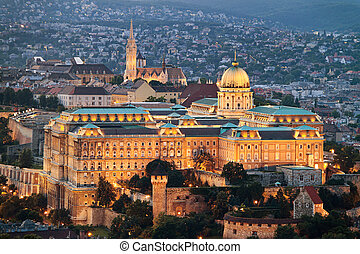 Hungary, Budapest, Cityscape - Anichten city and skyline of...