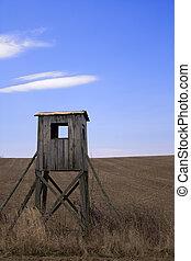 Hunter's watchtower - Wooden watchtower for hunters lurking ...