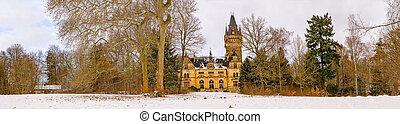 Hunting Lodge Hummelshain in winter V