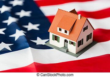 hus, amerikan, uppe, flagga, nära, modell