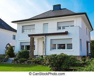 hus, förorts-, europe