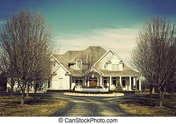 hus, förorts-, lyxvara