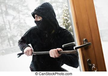 hus, röveri, -, rånare, försökande, öppen dörr, med, kofot