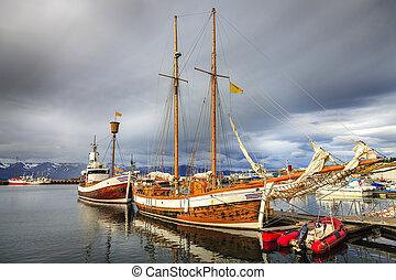 husavik, kikötő