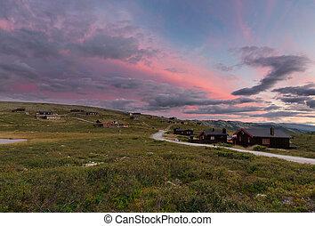huttes, dans, paysage, de, norvège, coucher soleil