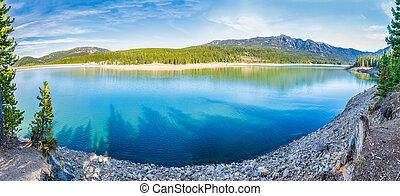 Hyalite Canyon Reservoir - Panorama of Hyalite Reservoir in ...