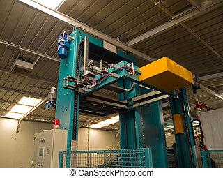 Hydraulic pneumatic packaging machine